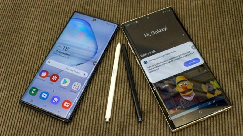 Ở mặt trước, Galaxy Note 10 được trang bị màn hình kích thước 6.3 inch.