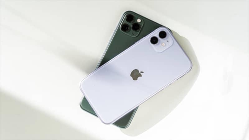 iPhone 11 ở trên và iPhone 11 Pro ở dưới.