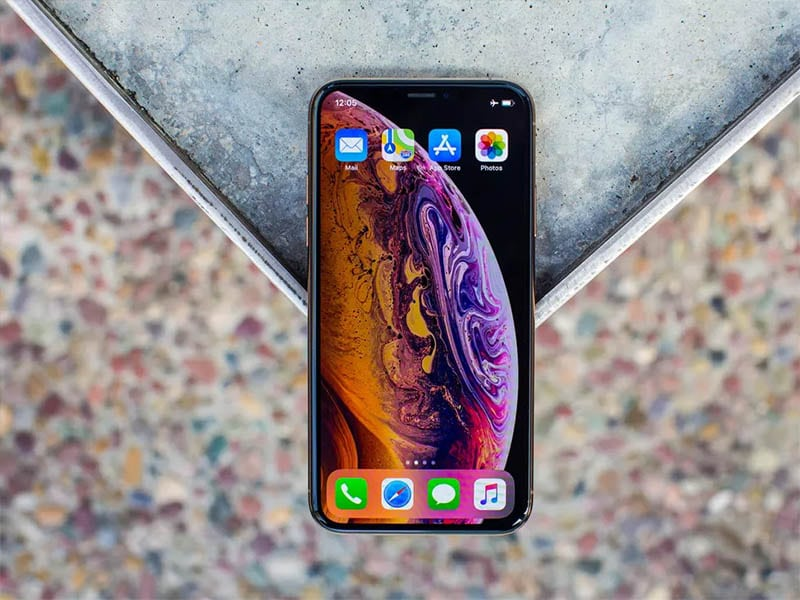 iPhone 11 phiên bản Pro cũng được trang bị màn hình 'tai thỏ' quen thuộc.