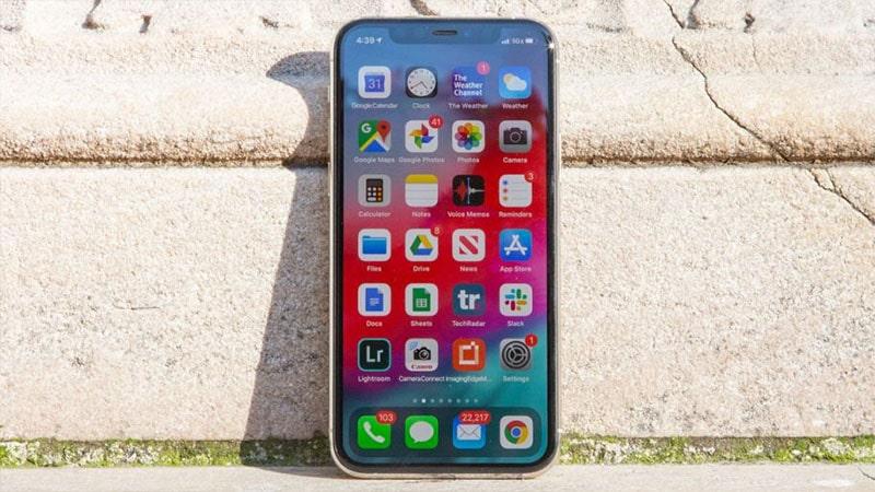 Màn hình của iPhone 11 Pro có kích thước là 5.8 inch cùng độ phân giải là 2.436 x 1.125 pixels.