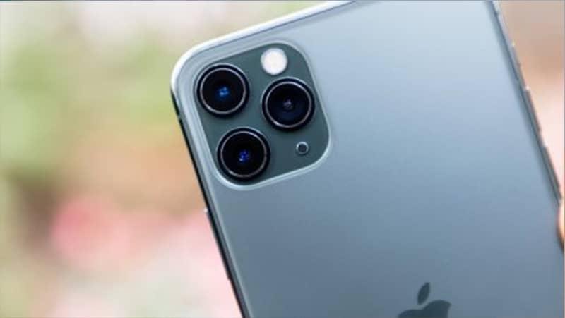 iPhone 11 Pro được trang bị cụm 3 camera với cùng độ phân giải là 12 MP.