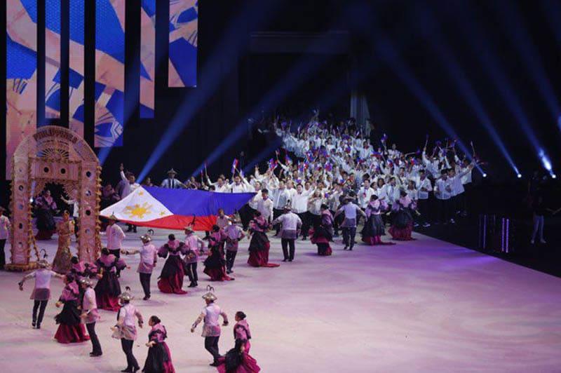 Thời gian trên sân khấu lễ khai mạc SEA Games 30 của đoàn Philippines dài bằng tổng thời gian của 10 đoàn còn lại