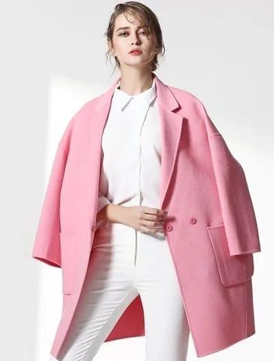 Áo lông cừu tông hồng dáng ngắn cho những cô nàng công sở