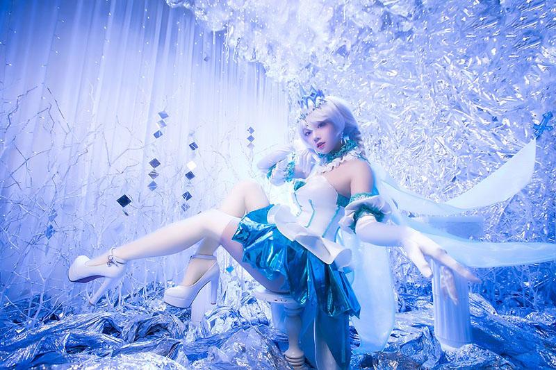 Cùng chiêm ngưỡng bộ cosplay cực chất của Kiana Kaslana