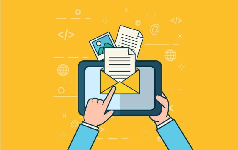 Email có nội dung do người dùng tự tạo ra