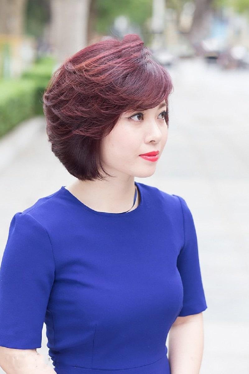 Tóc ngắn cho mặt tròn tuổi trung niên