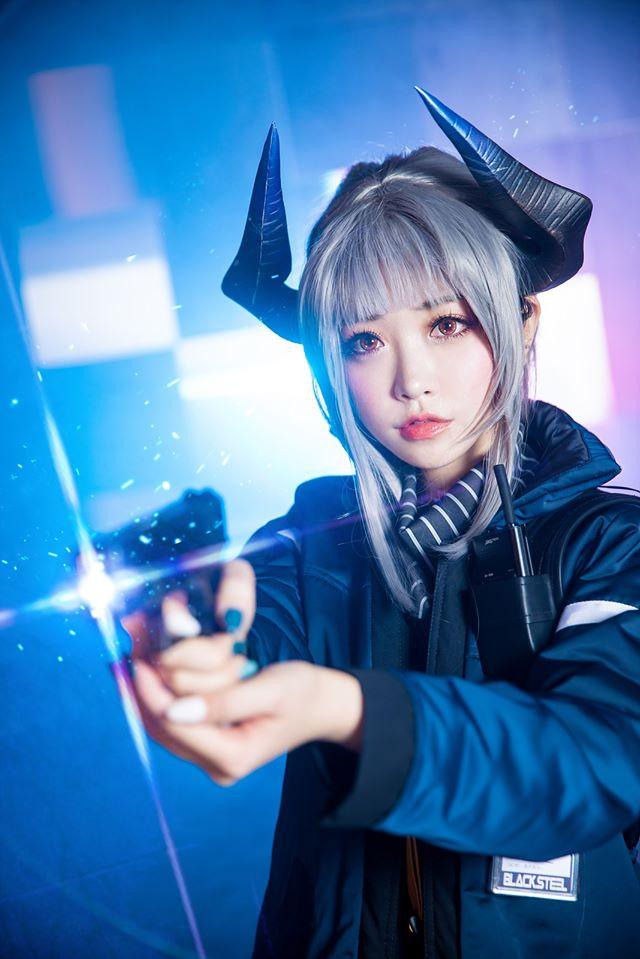 Cùng ngắm bộ ảnh cosplay Liskarm trong game mobile Arknights cực ngầu
