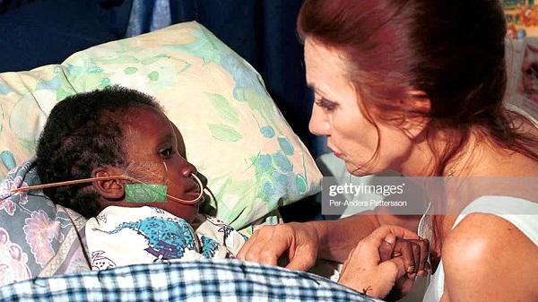 Người mẹ nuôi Gail Johnson và cậu bé những giây phút cuối