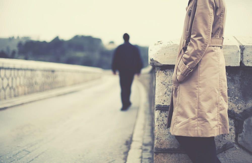 Làm thế nào để có thể vượt qua sự đau khổ khi chia tay?