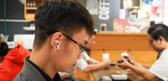 Apple sắp sản xuất hàng triệu AirPods tại Việt Nam