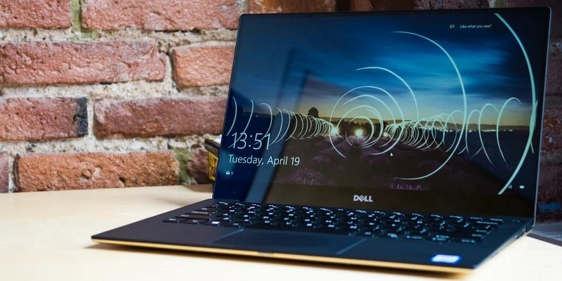 Laptop Dell XPS 13 9350 sở hữu thiết kế tinh tế, mỏng nhẹ