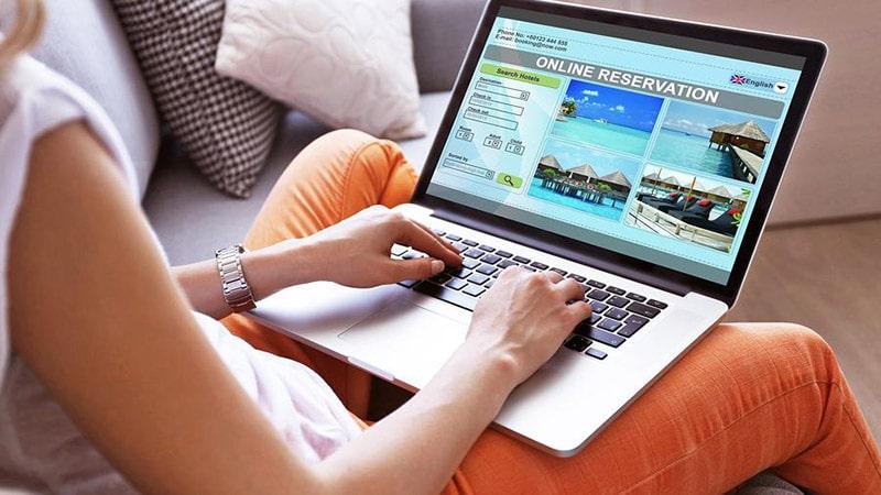 Những lý do nên đặt tour du lịch trực tuyến trên website